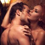 Cinco posturas más o menos sencillas para tener sexo de pie